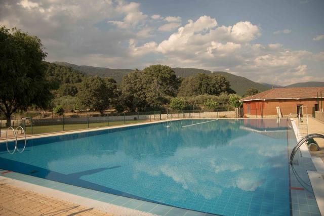 Piscina Municipal de Piedralaves