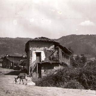 Entrada en la Calle de San Roque, Piedralaves