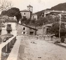 Vista de Piedralaves desde el Puente Romano