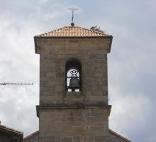Piedralaves. Campanario de la Iglesia con Cigüeñas