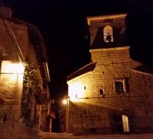 Piedralaves. Nocturno, Iglesia y Cruz de los Enamorados.